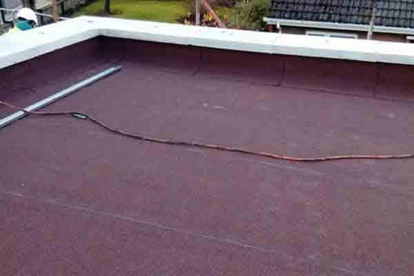 asphalt roofing work